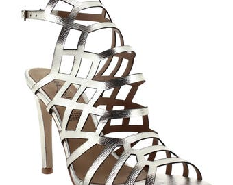 Ceresnia rain gold slingback high heel in an in-cage diamond pattern.