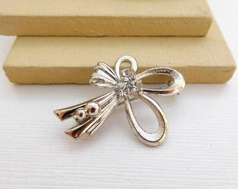 Vintage Polished Silver Tone Clear Crystal Rhinestone Bow Flower Brooch Pin PP44