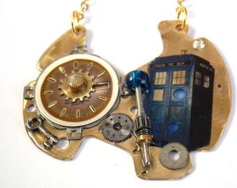 """Doctor Who Necklace """"Chrono-modulator"""""""