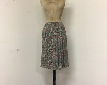 Vintage 1940s Rayon Paisley Print Pleated Skirt