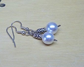 Vintage White glass pearl earrings,white glass pearl earrings,glass pearl earrings,earrings,wedding,bridal,prom,gift,