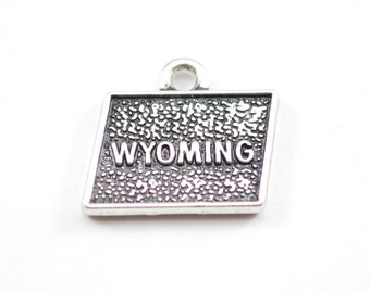 10pcs - Antique Silver Wyoming - Map Charm - 10mm x 18mm - Jewelry Supplies - Findings - Bulk Charms D24