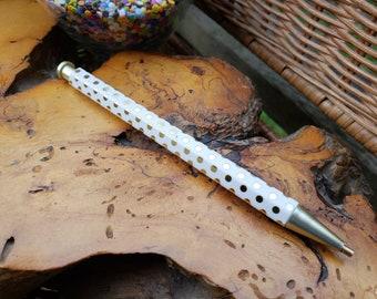 Customized Diamond Painting Pen for Gem/Drill Picking: Elegant Hexagon barrel, White w/Shiny metallic gold polka-dots
