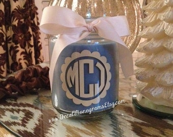 Monogram Vinyl Decal Circle font with Scallop