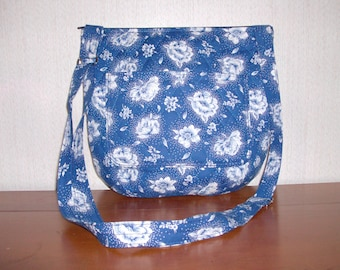 Blue and White Rose Print Cross Body Quilted Purse