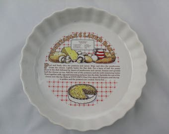 Vintage Quiche / Pie Dish with recipe for Vegetable 6 Layer Bake