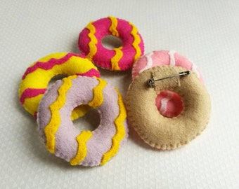Party Ring Biscuit Brooch - Cookie Brooch - Felt Brooch - Felt Accessories - Food Brooch - Children's Accessory - Party Rings