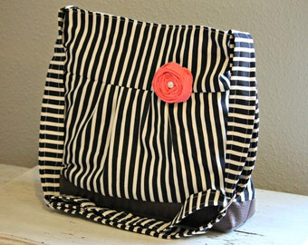 Messenger Bag, Diaper Bag, Black Stripes, Faux Leather Bag, Striped Purse, Pleather Bag, Vegan Leather Purse, Pleated Purse, Diaper Bag