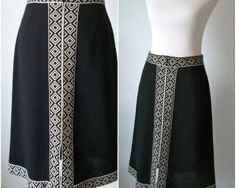 Black diamond zip up front midi skirt by ACT III