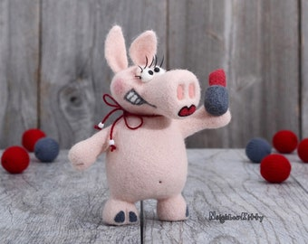 Needle felted pig with makeup, Knitted animal, Soft sculpture, Wool figurine,  Needle felting, Fiber art, Home decor, Birthday Gift