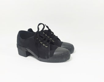 Black canvas sneakers / Black chunky sneakers / Black chunky tennis shoes/ Vintage platform sneakers / Black canvas women sneakers /