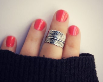 silver feather knuckle ring , midi ring, silver midi ring, chevron knuckle ring, stacking rings, ring, chevron feather ring