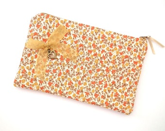 Make Up Bag, Cosmetics Purse, Zipped Purse, Zippered Pouch, Cosmetics Bag, Floral Make up Purse, OOAK Gift, Free UK Shipping, UK Seller