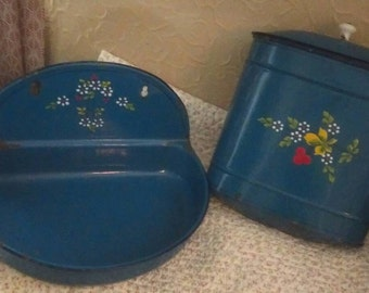 Vintage French enamel water hopper and sink. For wall hanging.