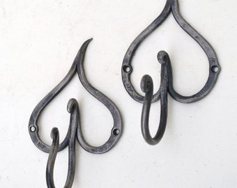 Small hand forged iron 'leaf' hook.