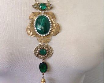 Boho emerald green necklace