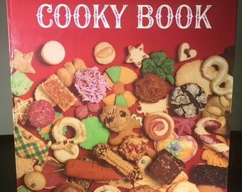 Betty Crocker's Cooky Book 2002 Facsimile Edition 156 pages Free shipping