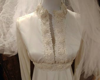 """Vintage 1970's wedding gown/ dress, size S/M, waist 28"""", ivory rayon and lace, free shipping"""