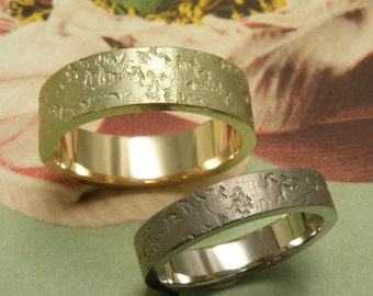 Handmade wedding rings  - Yellow gold and white gold - Robust texture - Coral Print - Fine Jewellery
