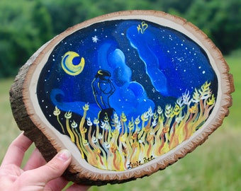 Hand Painted Wood Slice// Little Bee// Girl in The Field