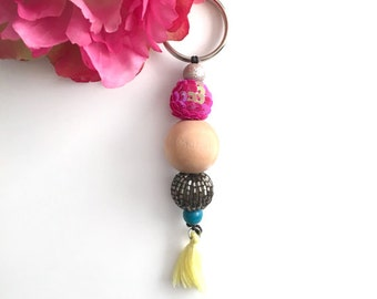 beaded keychain - color beads keychain - tassel keychain - gift keychain - women's accessory - eclectic accesory - fun keychain - women gift