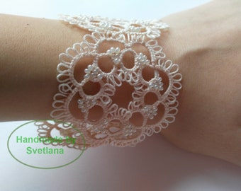 Tatted Lace Beaded Bracelet in Light Beige - Rosie