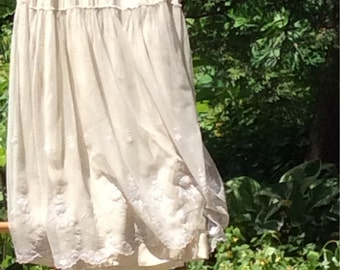 SALE 1910 Ladies Silk And Lace Skirt