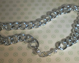 Big Chunky Twisted Curb Chain Necklace in Shiny Silver Aluminum