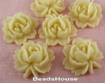 20%off:57-06-910-CA  6pcs Beautiful Roses Cabochon-Pale Ivory