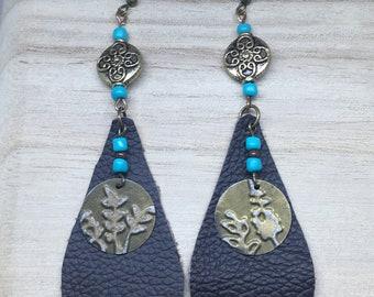 Boho earrings; leather earrings; turquoise earrings; drop earrings; dangle earrings;
