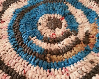 Crochet plastic bag rug