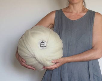 Premium XXL White wool merino, Natural wool balls, Organic wool, no dyes, knit with the arms, wool from Spain, wool in wick, Giant wool.