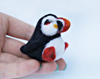 Needle felted puffin miniature