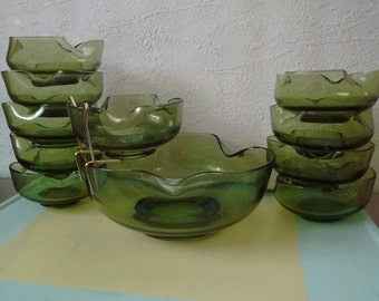 Vintage Anchor Hocking Avocado Chip and Dip Set w/Bracket and 7 Dip Bowls