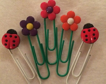 Lady Bug and Flowers paperclip bookmarks, set of 5, party favors, gift bag stuffers, thank you gifts, teacher appreciation gifts