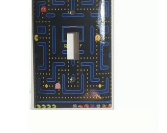 Pac-Man Games Toggle, Rocker Light Switch Power Outlet Duplex Plate Cover Home decor
