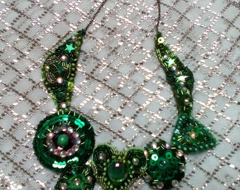 Green sparkly beaded handmade collar, choker necklace