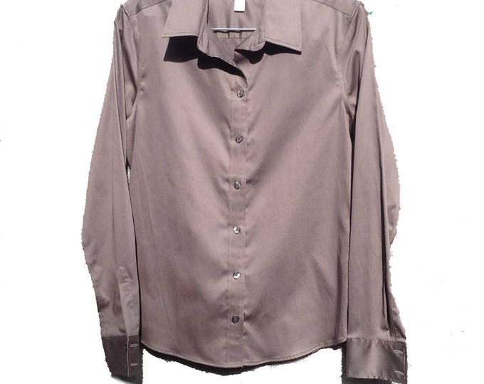 Size 8 Women's Banana Republic Wrinkle Free Fitted Blouse