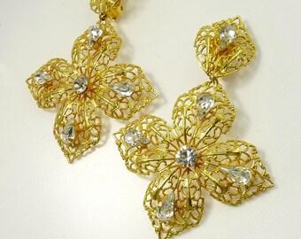 Vintage Signed Robert Clip Earrings Gold Filigree & Rhinestone Statement Jewelry