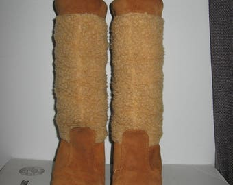 Sweet vintage QUODDY leather moccasin boots size 9 USA