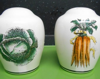 Salt and Pepper Shakers, Farmer's Market Salt and Pepper Shakers,Phaltzgraff Salt and Pepper Shakers,Vintage Salt and Pepper