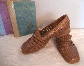Vintage Woven leather slide on Loafers Pumps ~ Caramel brown flats Woman's 6 1/2 W ~