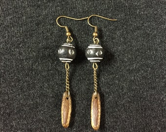 Pearl Earrings in Earth and seed