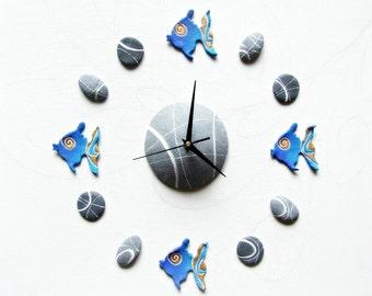 Decorazione murale pesci blu Orologio da parete adesivo per casa al mare Sticker pesci 3d Arredamento marino Idea regalo per pescatore