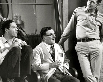 """Goober, Floyd & Andy at the Barber Shop in """"The Andy Griffith Show""""  - 8X10 Publicity Photo (EP-749)"""