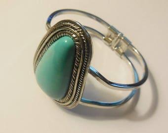 Vintage Bangle Bracelet Turquoise Silver Tone Metal Costume Jewelry Women's Fashion Accessories Bohemian Style
