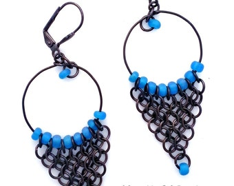 Long Capri Blue & Black Gray Gunmetal Chainmaille Chandelier Hoop Earrings, Blue Chain Mail Earrings Jewelry, Hanan Hall Jewelry Maillewerks