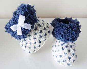 boots baby woolen white and blue 3/4 months