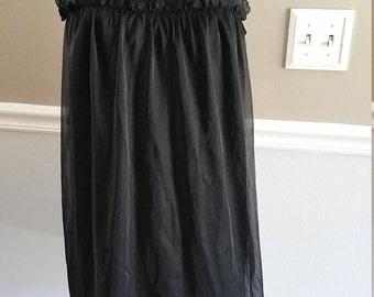 Vanity Fair Babydoll Nightie. Size M