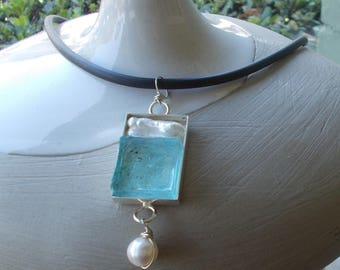Aqua Glass and Freshwater Pearl Ncklace